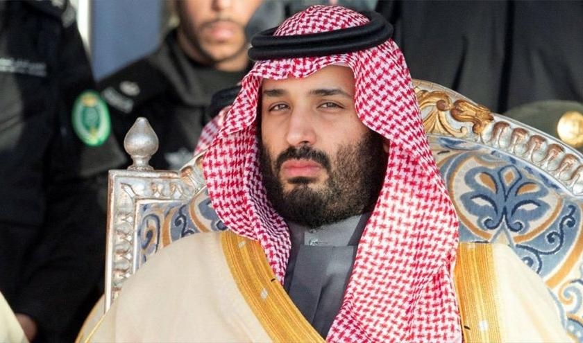 صورة السعوديون يخشون حمل هواتفهم داخل التجمعات.. واشنطن بوست: قتل خاشقجي عمّق الخوف بين المواطنين