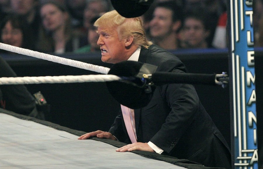 صورة شبَّه مناظرته القادمة مع بايدن بنزال المصارعة، وتوعده بالهزيمة.. ترامب يشن حرباً نفسية على منافسه الديمقراطي