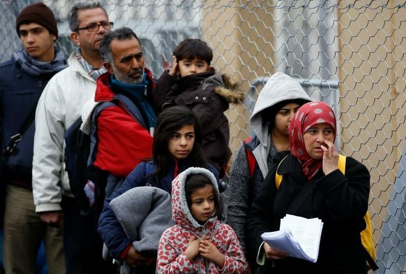 صورة بعد اقتراح غلق المساجد ومنع الصوم.. هل تصبح تأدية الشعائر الإسلامية في النمسا جريمة؟