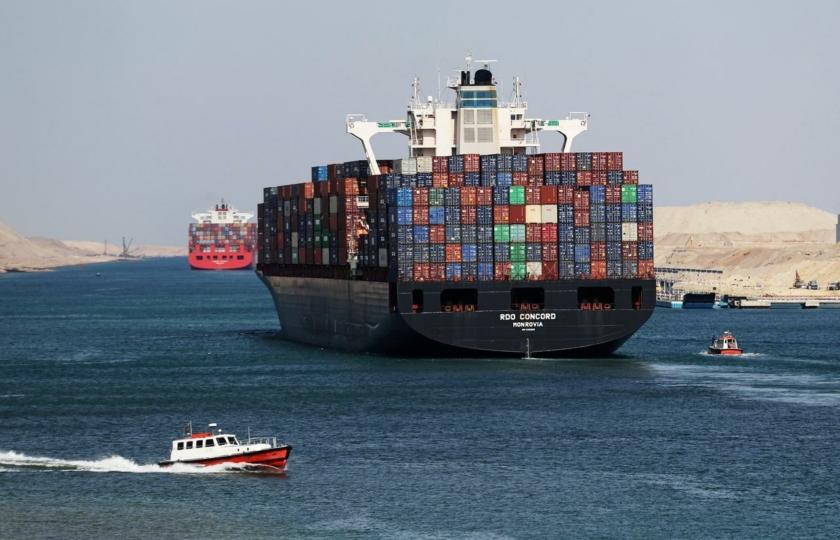 صورة قبل جفاف حبر التطبيع الإماراتي.. تفاصيل خطط إسرائيل للاستيلاء على دور قناة السويس في التجارة العالمية