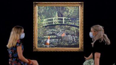 صورة بالصور.. لوحة بانكسي الساخرة بـ7.6 مليون جنيه إسترليني