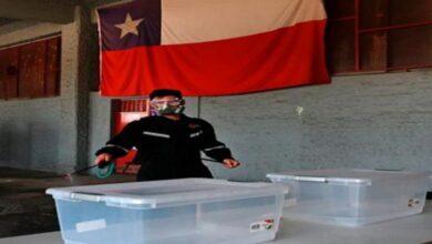 """صورة التشيليون يوافقون على تغيير دستور """"بينوشيه"""""""
